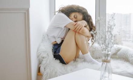 Cólica menstrual – exercícios que auxiliam nas dores